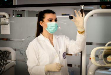 【徹底解説!】臨床検査技師として現役で仕事している私が臨床検査技師について解説します!